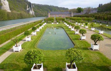 Château de Freÿr-Chateaux to Province of Namur