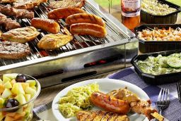 <p>A-Z Barbecue & Gourmet</p> in