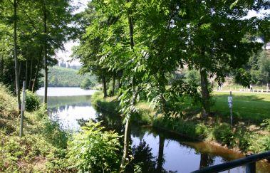 La vallée du lac et sa plaine de jeux à Neufchâteau-Sports et loisirs to Province of Luxembourg