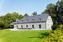 Holiday house of local stone for 30 persons to rent in Anhée