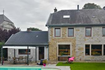Holiday cottage with swimming pool and games room to rent in Anthisnes