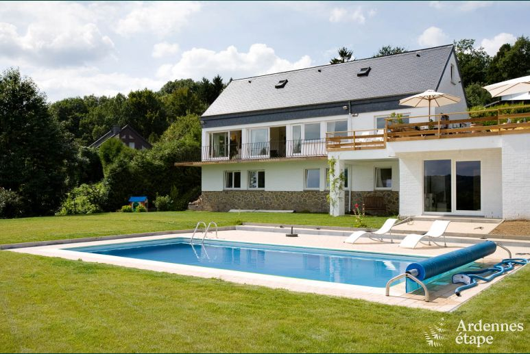 Luxurious villa for 12 people with outdoor pool in Aywaille