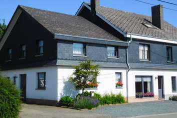 Large holiday home for rent near Bastogne