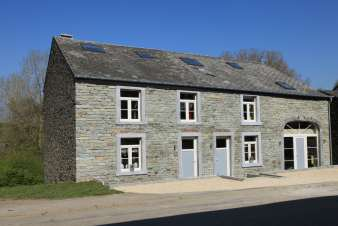 Renovated farmhouse for 22 people in Bertrix