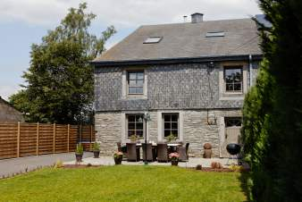 Holiday cottage with wellness area for 9 persons to rent in Bertrix