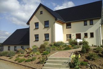Luxury holiday villa with wellness for 20 per. in Büllingen, dogs allowed