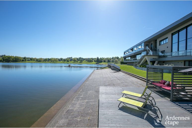 Luxury apartment with breathtaking views of the Lake of Butgenbach