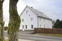 Lakefront holiday cottage for 6 persons to rent in Bütgenbach