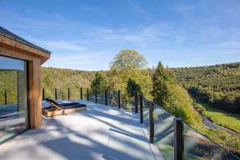 Luxury villa in Chiny for 18/26 persons in the Ardennes