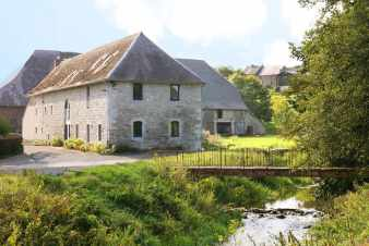 Holiday cottage in Couvin for 12 persons in the Ardennes