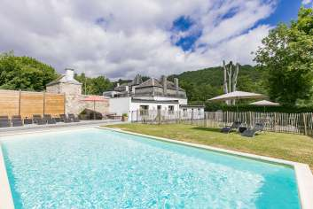 Charming holiday home for eight people in Hastière near Dinant.