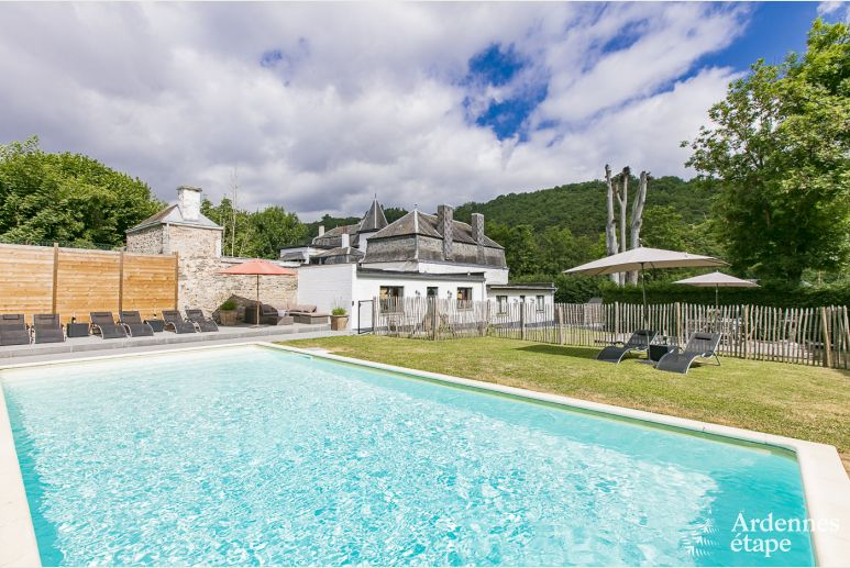 Charming holiday home for 12/13 people in Hastière near Dinant.