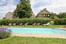 Pretty holiday home for 26 people with outdoor pool in Yvoir
