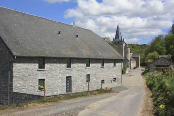 Farm holiday in large group accommodation for 25 pers. to rent in Dinant