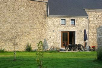 Pleasant holiday cottage for 7 persons to rent in Doische