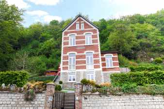 Elegant holiday house with wellness area in the centre of Durbuy