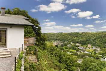 4.5-star holiday villa with view and sauna for 4 pers. to rent in Durbuy