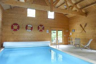 Fully equipped holiday cottage with swimming pool to rent in Erezée