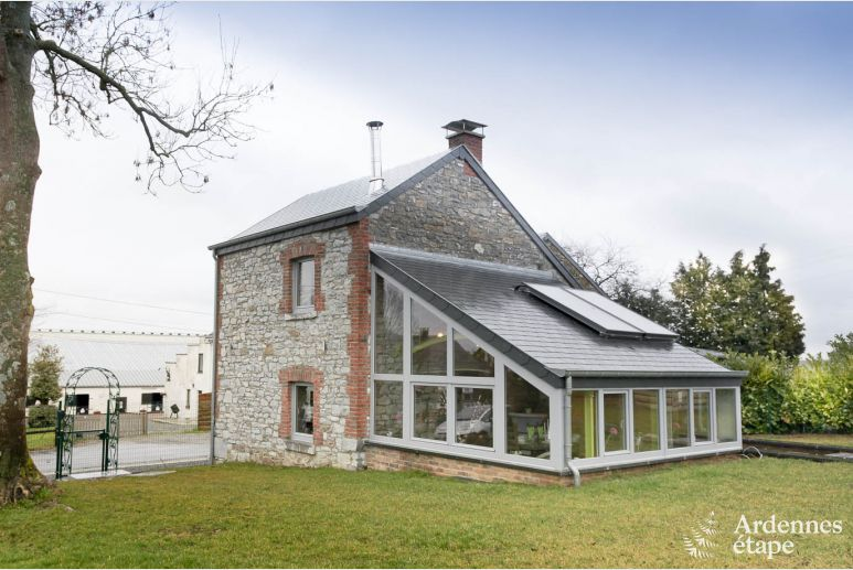 Holiday cottage with character and nice veranda for 4 pers. in Erezée
