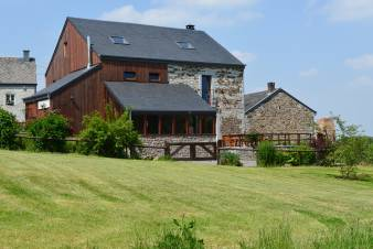 Village holiday house with and jacuzzi for 12 persons in Erezée