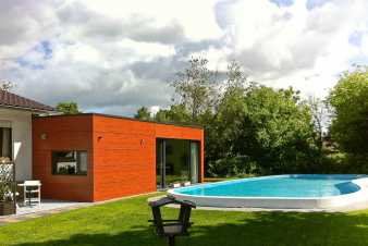 Holiday house with pool in the garden for 2/4 pers. to rent in Eupen