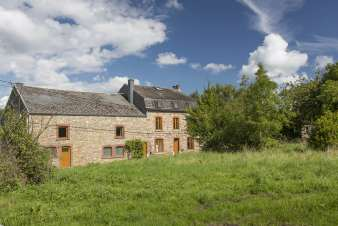 Comfortable cottage ideal for 32 people in Ferrières
