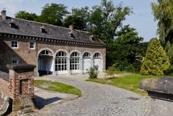 Charming holiday house in a castle annex to rent in Gembloux