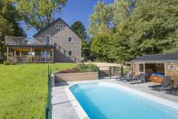 Welcoming holiday cottage with wellness and swimming pool for 9 persons in Gouvy