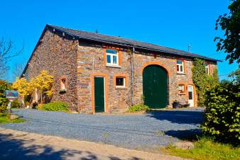 Renovated 3-star farmhouse holiday cottage with sauna to rent near Gouvy