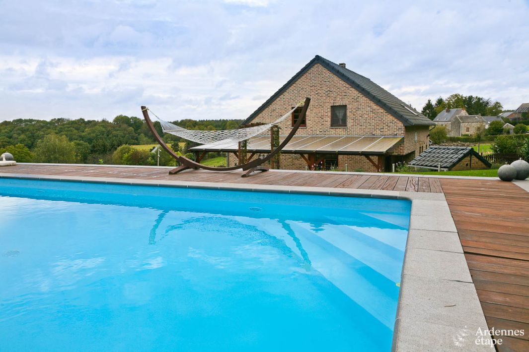 Pleasant Holiday Villa With Heated Swimming Pool To Rent