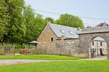 Castle-Farm in Hamois for your holiday in the Ardennes with Ardennes-Etape