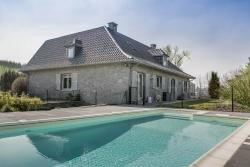 Luxury holiday villa with pool in the garden for 9 pers. in Hamois
