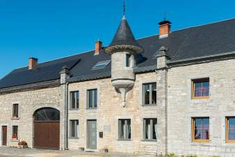 Perfect holiday cottage for 10 persons in Han-sur-Lesse
