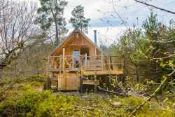 Couples holiday cabin to rent for a bucolic stay in woods of Houffalize