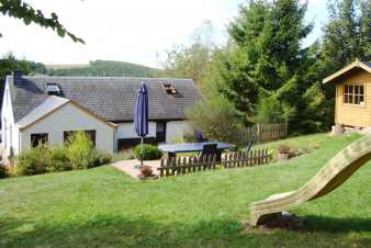 3-star holiday cottage with a wonderful view for 9 people in the Luxembourg province