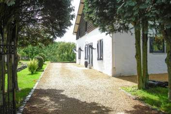 Holiday farmhouse cottage with character for 10 pers. in Houffalize