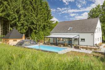 Luxury villa with indoor pool for 14 pers. in Houffalize in the Ardennes