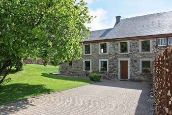 Holiday cottage in Jalhay for 9 persons in the Ardennes