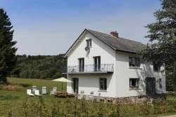 Holiday cottage for 8 pers. near tourist activities to rent in La Roche