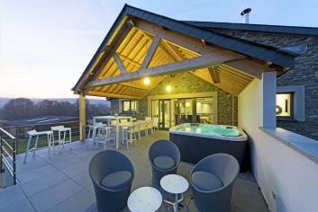 Charming luxury holiday cottage for 9 pers. to rent in La Roche