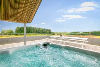Luxury villa in La Roche en Ardenne for 14 persons in the Ardennes