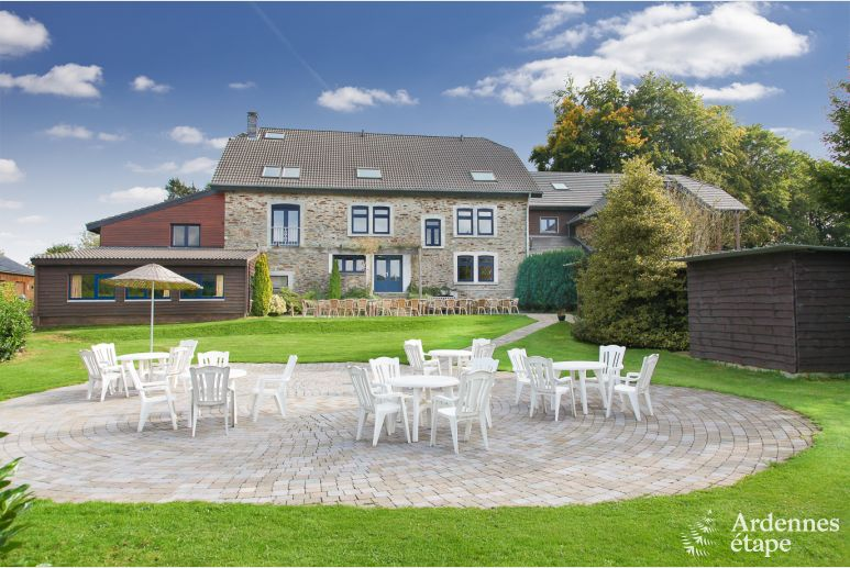 Luxury holiday villa for 26 pers. with swimming pool in La Roche