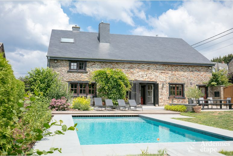 Village house with outdoor swimming-pool and sauna in Libin