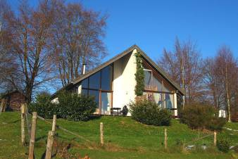 Modern and luxurious chalet with views for 6-8 people for rent in Malmedy