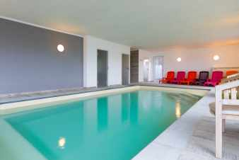 Group accommodation with high-class comfort for 13 pers. in Malmedy