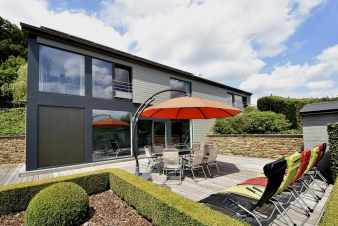 Luxury holiday villa with pool and wellness area for 9 pers. in Malmedy