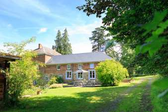 Picturesque holiday house for 8 pers. to rent in Manhay