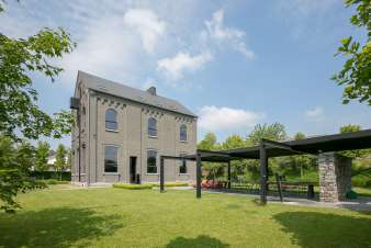 Luxurious villa for 19 - 21 people in Maredsous in the Ardennes