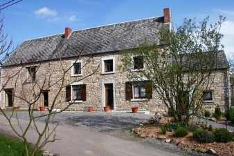 2-star holiday group accommodation for 14 persons to rent near Namur