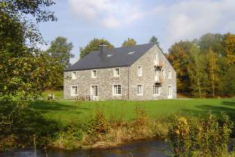 Large group accommodation for 22 pers. for a holiday in Paliseul